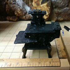 """Concord Miniatures 1"""" Scale Dollhouse Furniture: Resin Stove (Black)"""