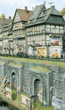 Busch x 2 Stone Walls with Arches 7032 HO and OO Scale