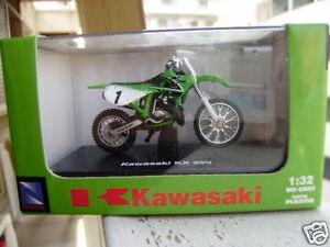 NEW RAY 2003 KAWASAKI KX 250 1:32 GREEN MIB MOTORCYCLE!