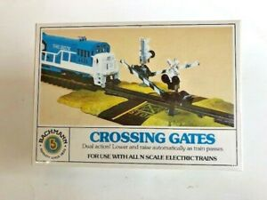 Bachmann N Scale Dual Action Crossing Gates, Item # 15-1220, NEW & SEALED