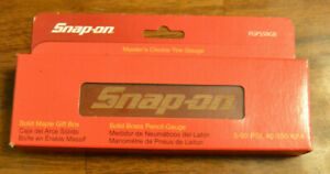 Snap-On Tools Tire Pressure Gauge with Maple Box - PGPS50GB