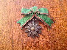 Médaille Ou Décoration En Forme De Fleur