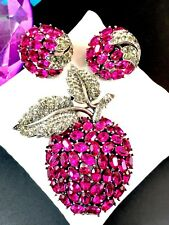 CROWN TRIFARI FUCHSIA BLACK DIAMOND RHINESTONE DANGLE APPLE BROOCH EARRINGS SET