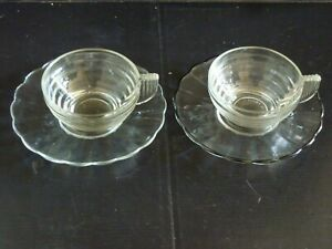 2 tasses à café avec sous-tasses bordure marguerite style art déco Duralex