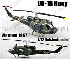 UH-1 Iroquois Huey helicopter Vietnam 1967 1/72 aircraft no diecast Easy model