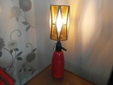 VINTAGE RETRO DESK LAMP  RED WITH GOLD GEOMETRIC GLASS SHADE PATTERN