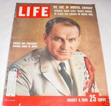 LIFE MAGAZINE AUGUST 4 1958 GENERAL JAMES M GAVIN LADY GOLFERS BASTILLE DAY