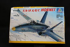 XY050 ITALERI 1/72 maquette avion 161 F/A-18 A/B/C Hornet Année 1997