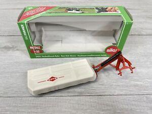 Siku Farmer Series 2456 KUHN Rear Disk Mower 1:32 Scale BOXED VGC