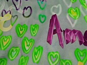 Baumwollstoff 100% Baumwolle grau grün pink 1,6 x 1,45 Mtr .Schriftzug Herzchen