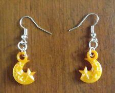 Boucles d'oreilles argentées lune et étoiles orange 21x14 mm