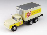 Classic Metal Works #30439  1960 Ford F-500 Box Truck – Oscar Mayer