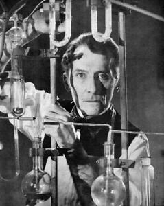 Peter Cushing A4 Photo 2