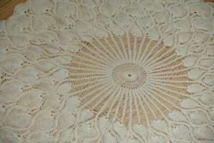 """38"""" Round Vintage Hand Crochet Pineapple Ivory Tablecloth Table Cloth"""