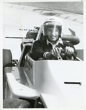 ERIK ESTRADA AS PONCH SMILING DRIVING GRAND PRIX CAR CHIPS 1979 NBC TV PHOTO