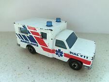 MATCHBOX - AMBULANCE Wagen Krankenwagen