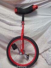 Biciclette rosso in acciaio
