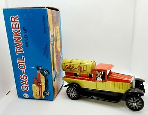 Vintage Gas Oil Tanker Tin Wind Up Toy Pick Up Truck with Original Box MS 437