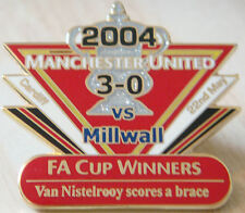 MANCHESTER UNITED v MILLWALL Victory Pins 2004 FA CUP Badge Danbury Mint