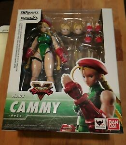 Bandai S.H. Figuarts Street Fighter V Cammy Figure - *Used *Complete