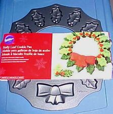 Wilton Christmas Wreath with Holly Leaves Cookie Pan  NEW