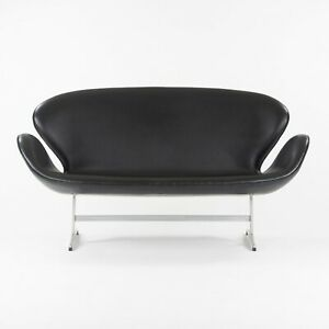 1965 Vintage Leather Swan Settee by Arne Jacobsen for Fritz Hansen of Denmark