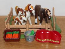 Playmobil Pferdekoppel Set mit Pferden, Zaunteilen,Eimer, Futterkorb neuw.