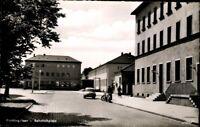 Alte AK PK Postkarte ungelaufen Foto SW Plattling Isar Bahnhofsplatz Gebäude