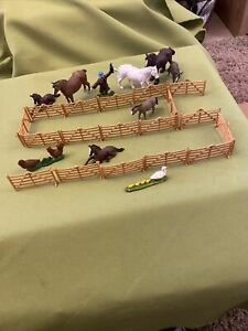 Britains Farm Fencing And Selection Of Britain's Animals Vintage Models 1/32