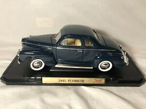 Road Signature 1941 Plymouth Coupe Blue 1/18 Diecast