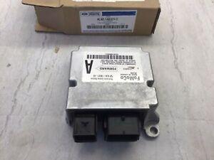 Ford Escape Mariner OEM Restraint RCM SDM ACM Control Module 8L8Z-14B321-C