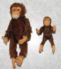 2x SPIELZEUG / Tier / Stofftier älterer Affe SCHIMPANSE in braun