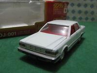 Vintage  -  NISSAN CEDRIC 4 door   -  1/43  Dandy Tomica DJ001