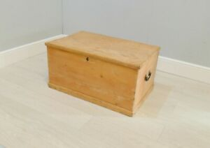 Rustic Pine Blanket Box/ Storage Chest/ Ottoman/ Toy Store Chest |62
