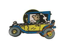 Pin's en émail GASTON LAGAFFE sa voiture FIAT 509 figurine Franquin Dalix 1991