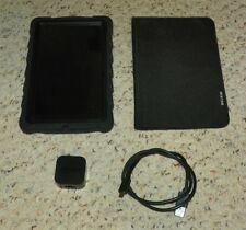 KINDLE FIRE Tablet - 7 inch - 8GB Bundle w/ Case & Charger (2011 - D01E)