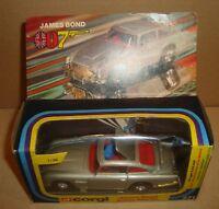 CORGI 1:36 271 JAMES BOND 007 ASTON MARTIN METTOY UK 1977