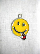 NEW FUN CLASSIC SMILEY FACE with TONGUE STICKING OUT USA PEWTER PENDANT NECKLAC