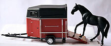 Horse Trailer + HORSE BLACK BROWN HORSE TRAILER WITH HORSE BLACK BROWN 1:43