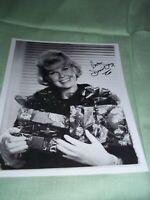 "Doris Day signed B&W Photo 8x10"""