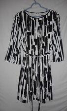 Tahini  Arthur S. Levine Size 10P  Black white abstract lined Dress w/ belt