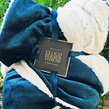 """Northpoint Cloud Berber Luxury Throw Blanket  - Green 50""""x60"""" - Reversible - NWT"""