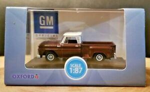 Oxford Diecast 1965 Chevy Stepside 1:87 Diecast Pickup Maroon Metallic 31355