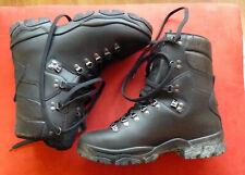 Paire de chaussures de combat intérieur GORE-TEX. Taille 43 B Rangers Militaires