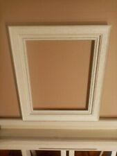 Encadrement en bois ,profil mouluré ,blanc chaulé ,avec ml 27 x 22 cm cm 3F