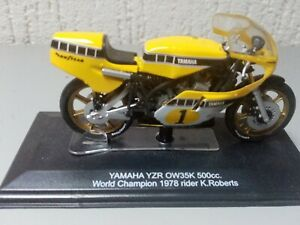 Diecast  motorcycles yamaha Kenny Roberts yzr 500 with display case.