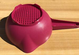 New Small Tupperware Colander/Strainer 1Q Vineyard Radish Color