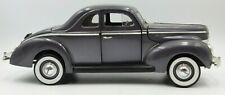 Universal Hobbies 1940 Ford Deluxe 1:18 Scale Diecast Car