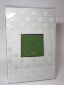 Kate Spade Cafe Canning Fresh Cream 60 x 84 Tablecloth New Factory Folded