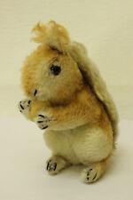 ESF-00861Steiff Eichhörnchen H. ca. 16 cm, mit Knopf, ohne Schild und Fahne